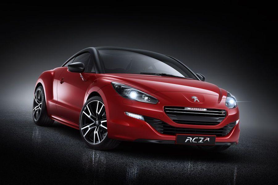 Peugeot a dévoilé mercredi sa RCZ R, déclinaison très sportive de son joli coupé. Le Lion a misé sur l'innovation et propose un moteur surprenant: 1,6 litre de cylindrée pour 270 chevaux.