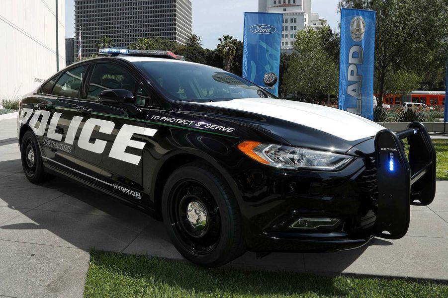 La Ford Police Responder Hybrid Sedan
