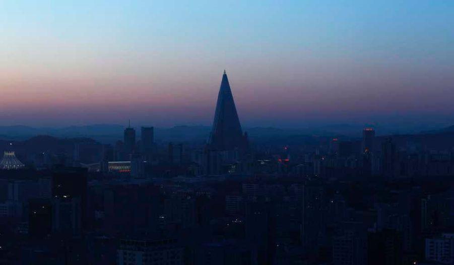 Avec ses 105 étages, l'hôtel Ryugyong, à Pyongyang, est le plus haut bâtiment en construction en Corée du Nord.