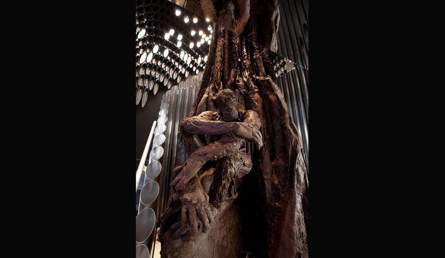 Patrick Roger a réalisé un arbre en cacao d'une hauteur vertigineuse de cinq mètres.