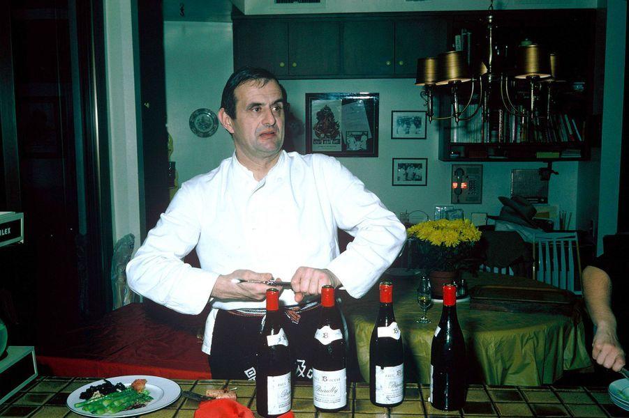 Le chef Paul Bocuseau Japon, en mars 1975.