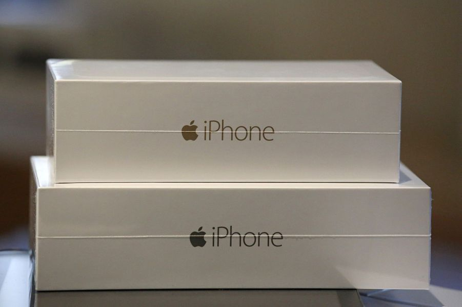 La sortie des iPhone 6 et iPhone 6 Plus, à l'Apple Store du quartier de l'Opéra, à Paris