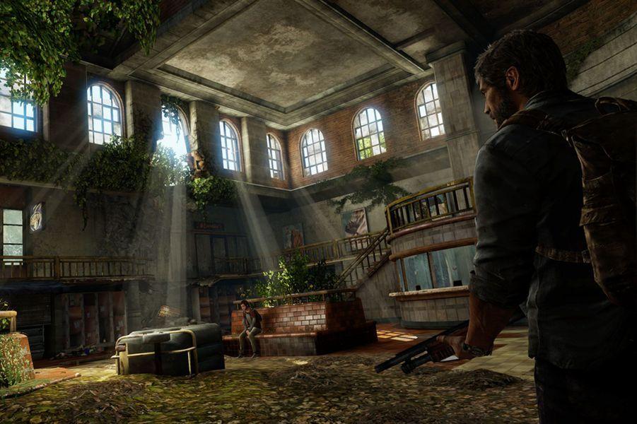 Signé par le studio qui a apporté à la PS3 l'une de ses licences les plus remarquables -la série «Uncharted»-, «The Last Of Us» propose une plongée dans un monde post-apocalyptique à travers les pérégrinations de deux survivants, Joel, un aventurier et une adolescente du nom d'Ellie. Plus proche de «World War Z» et «The Walking Dead» que de «Resident Evil», le jeu propose une ambiance très particulière, variation subtile sur le thème éculé du zombie, appuyée sur une conception des niveaux à couper le souffle.