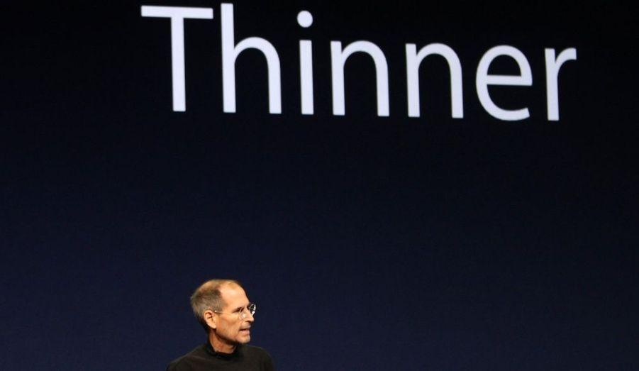 Malade et visiblement aminci, Steve Jobs a pourtant présenté lui-même l'iPad 2 à San Francisco hier. Le fondateur d'Apple a reçu une standing ovation lors de son arrivée sur scène.