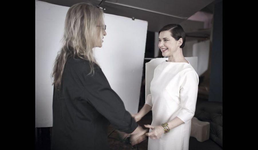 La photographe star Annie Leibovitz accueille Isabella Rosselini.