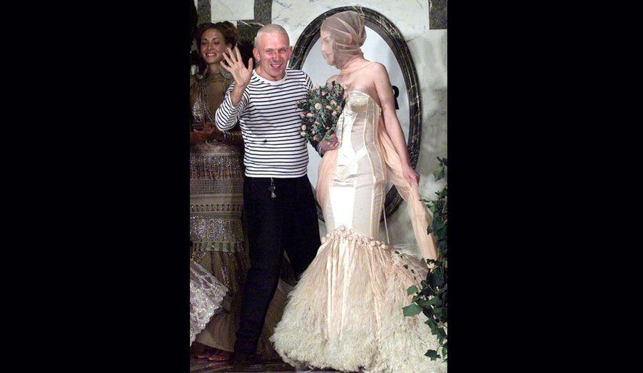 «L'enfant terrible de la mode» a marqué les années 1990 en remettant au goût du jour les corsets et les marinières. Il a également confectionné des tenues de scène pour Madonna, dont le soutient gorge pointu est resté dans les mémoires.