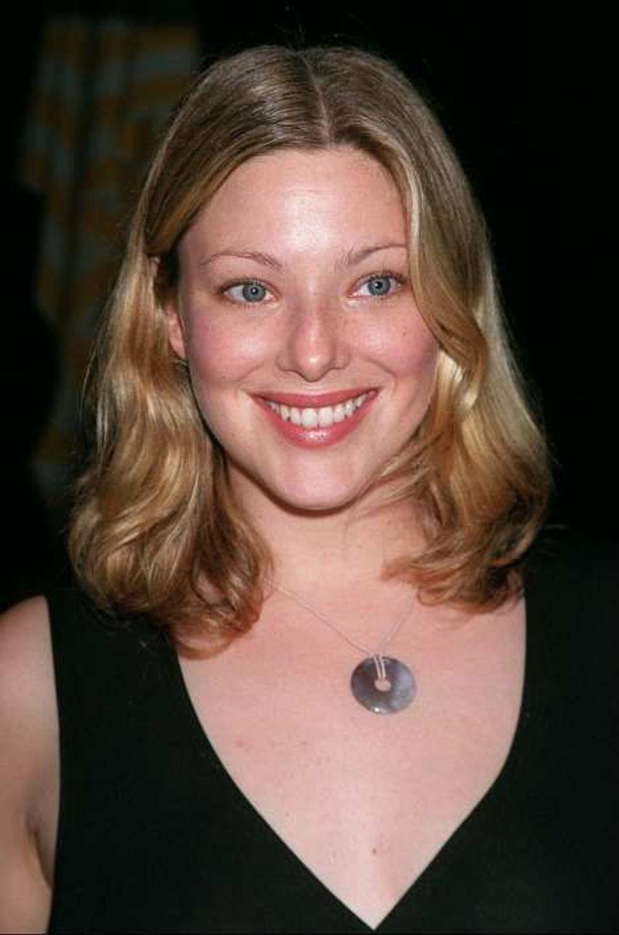Kate Dillon, ex-anorexique est devenue l'un des premiers top model grande taille international, dans les années 1990.