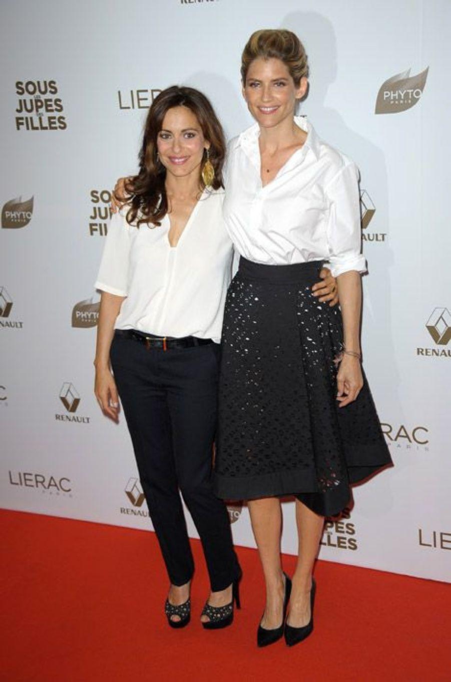 """Racée, avec la réalisatrice Audrey Dana lors de l'avant-première du film """"Sous les jupes des filles"""" à Paris, le 2 juin 2014"""