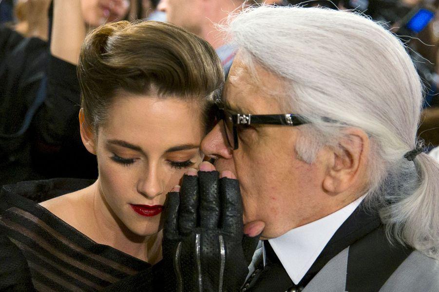 Karl Lagerfeld et Kristen Stewart défilé Croisière de Chanel a eu lieu à Séoul lundi