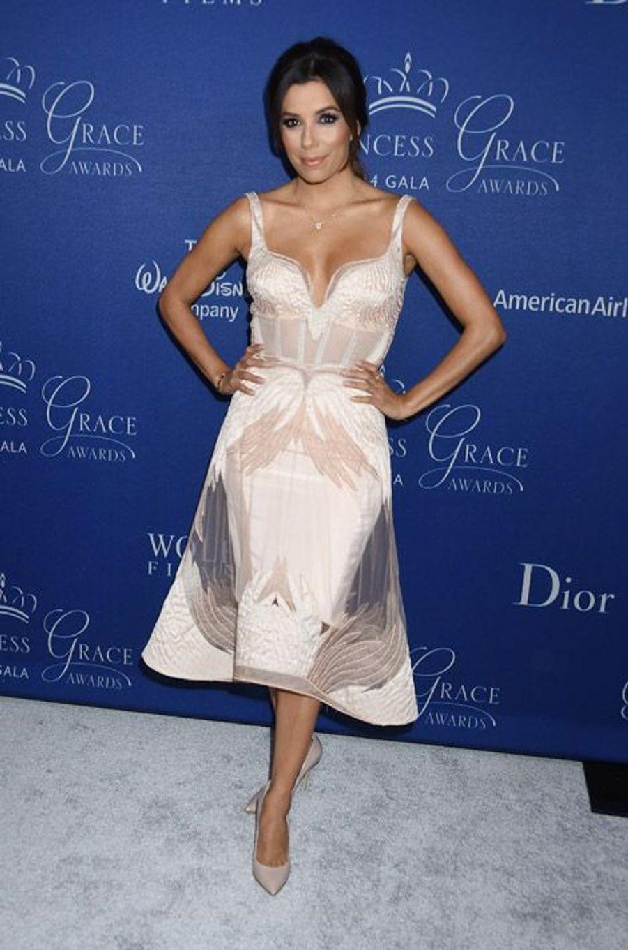 Eva Longoria en Gabriela Cadena, lors du gala Princesse Grace à beverly Hills, le 8 octobre 2014