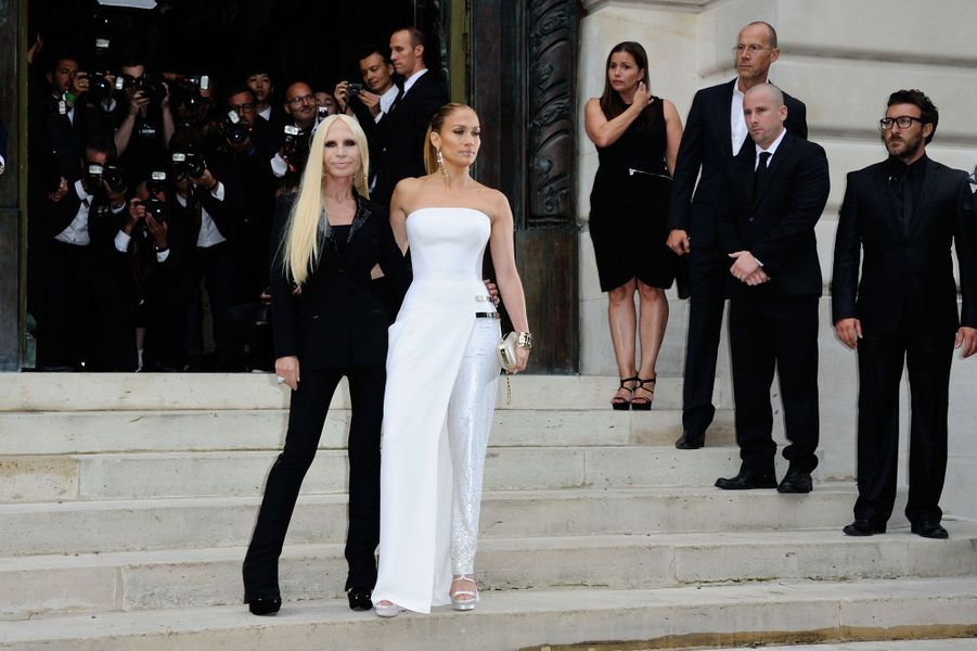 JLo, star du défilé Versace