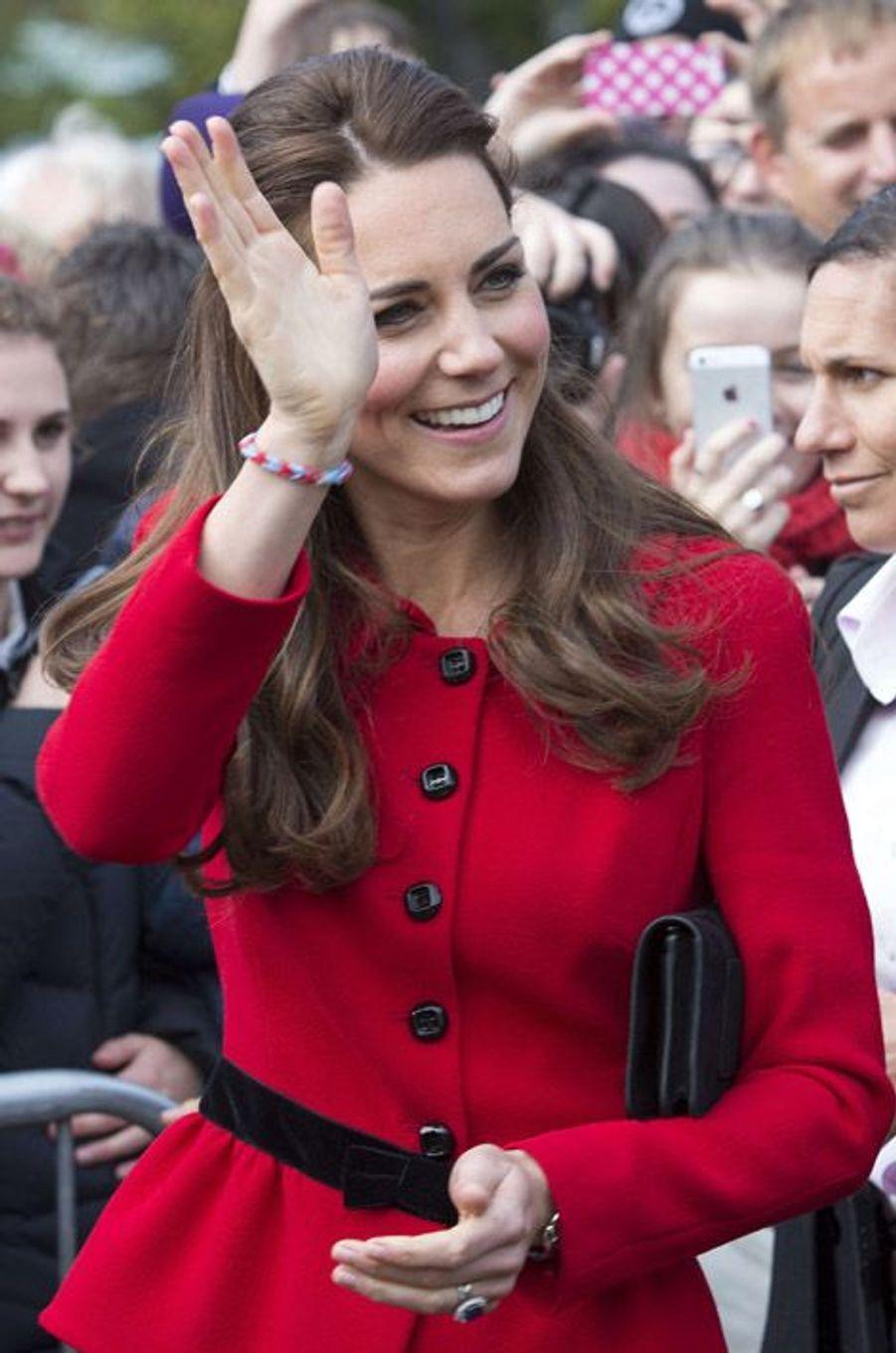 Kate Middleton, un bracelet au poignet en avril dernier, à Christchurch, en Nouvelle-Zélande