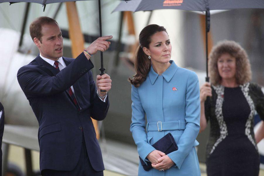 Le prince William, un bracelet au poignet le 10 avril dernier, en Nouvelle-Zélande