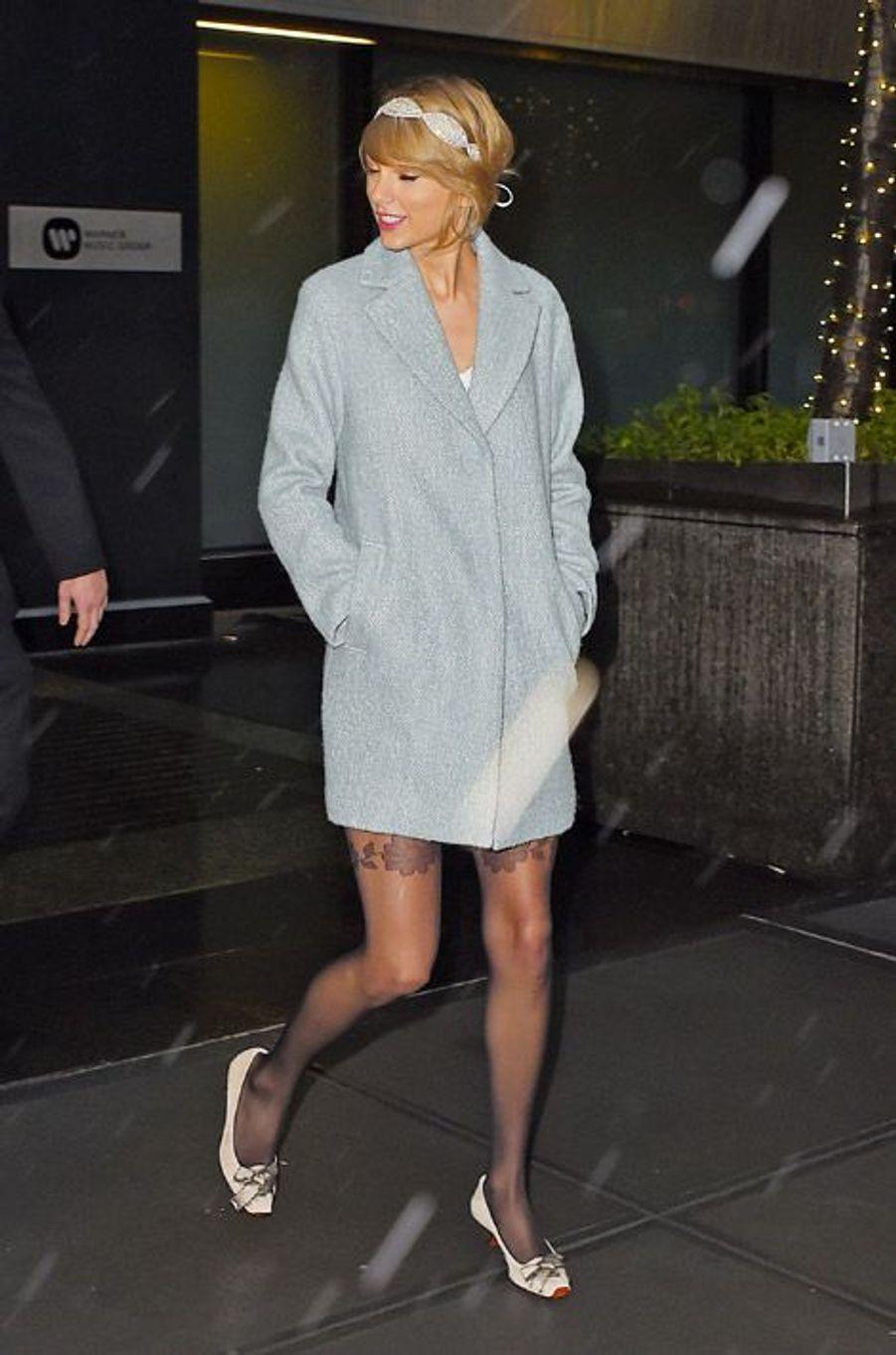 La chanteuse Taylor Swift après une sortie au théâtre en famille, le 24 décembre 2014 à New York