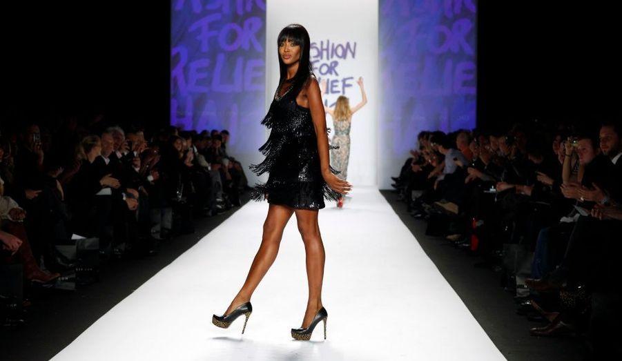 La belle Naomi Campbell n'a pas résister à la tentation de défiler plusieurs fois sur le podium
