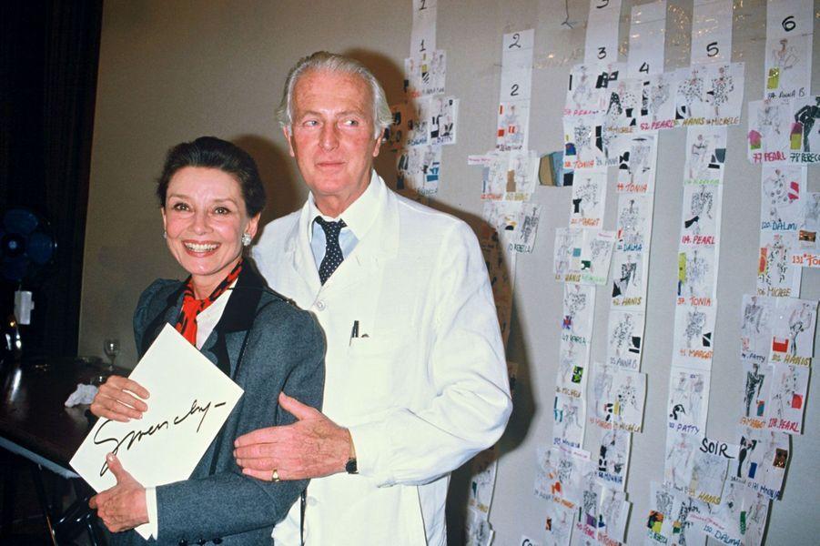 Hubert de Givenchy et Audrey Hepburn en 1986 à Paris