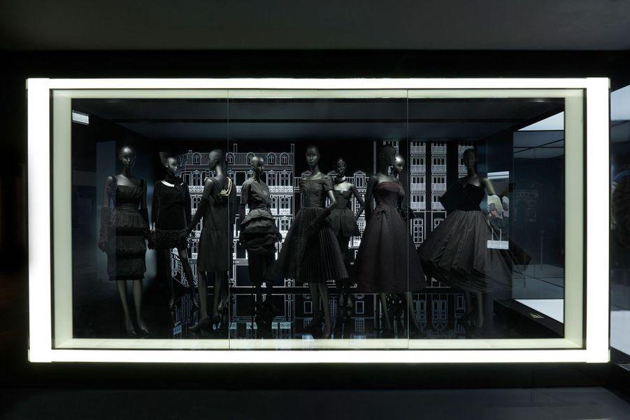 Exposition Christian Dior, du 5 juillet au 7 janvier 2018 au musée des Arts décoratifs de Paris.