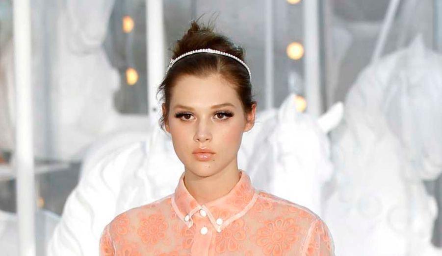 Serre-tête rétro chez Louis Vuitton