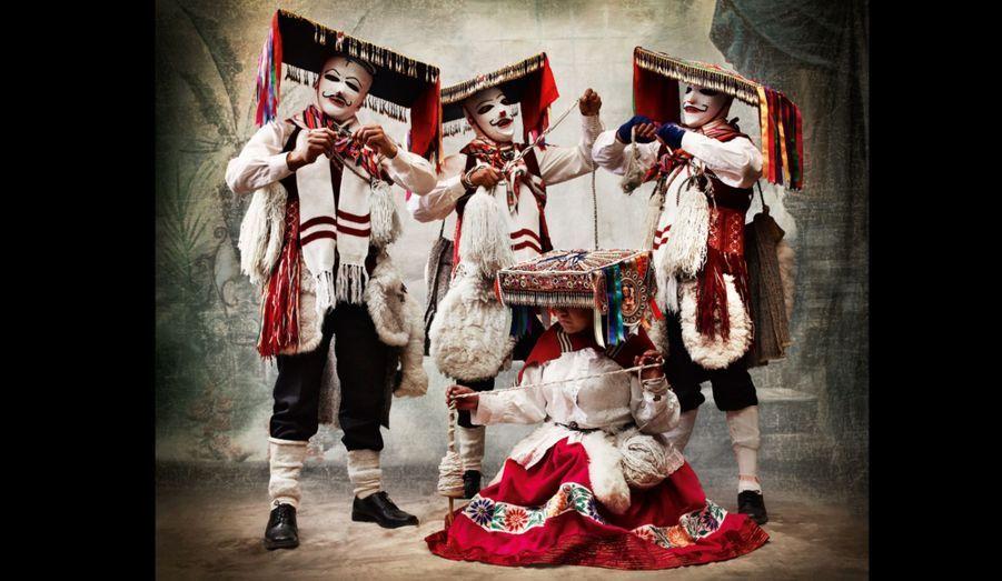 Costumes de danse Qhapaq qolla. District et province de Paucartambo. Cusco, Pérou 2010.
