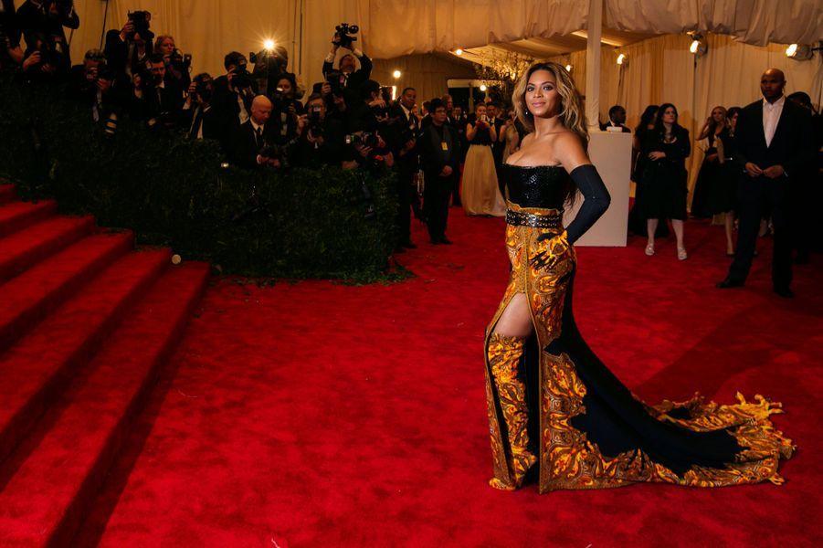 Beyoncé, en Givenchy