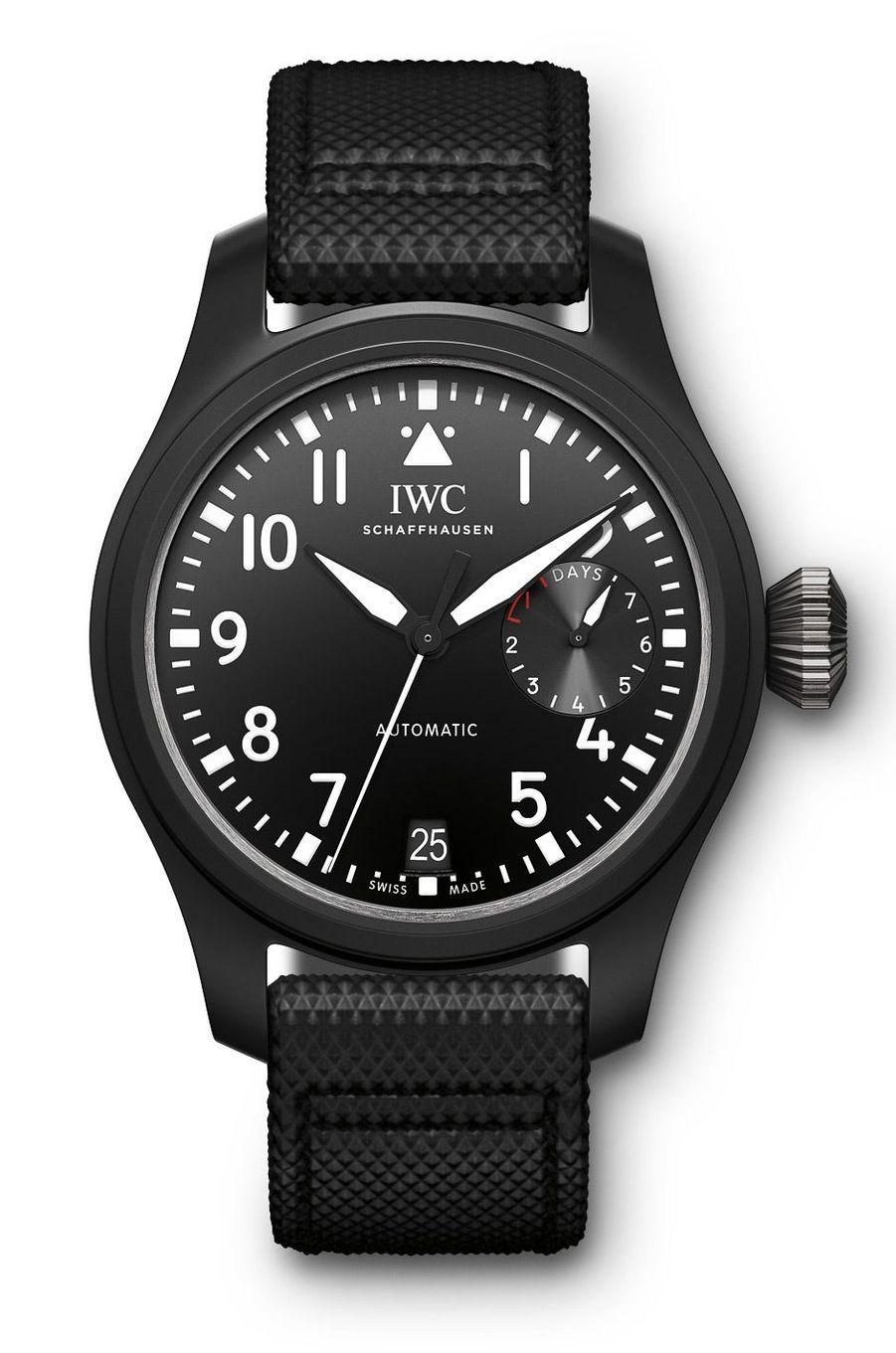 Grande Montre d'Aviateur Top Gun en céramique, 46 mm de diamètre, mouvement automatique, bracelet en veau gaufré, 14 400 €. IWC.