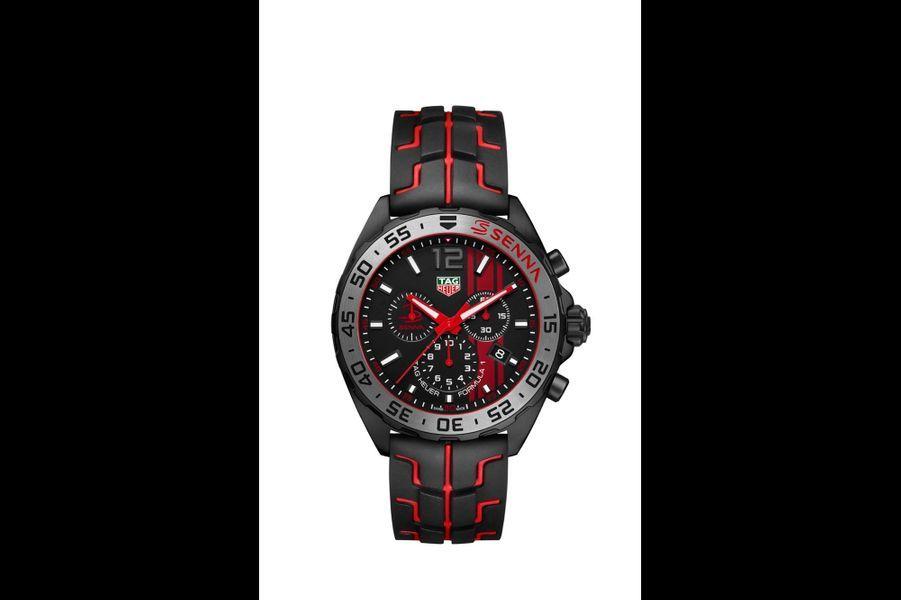 Formula 1 en acier PVD noir, 43 mm de diamètre, mouvement à quartz, bracelet en caoutchouc. 1 500 €. TAG Heuer.