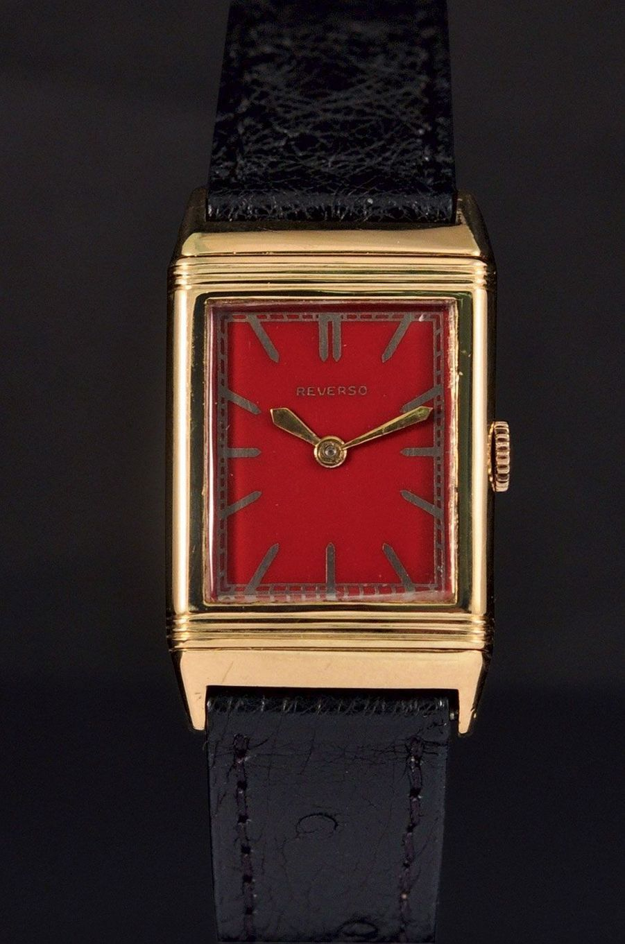 JAEGERLECOULTRE Reverso cadran émail, or jaune, 1940, 25 000 à 35 000€.