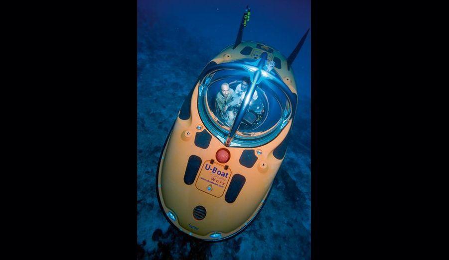 Notre reporter Romain Clergeat en plein « trip » aquatique. L'U-Boat a six heures d'autonomie et pèse 4 tonnes.