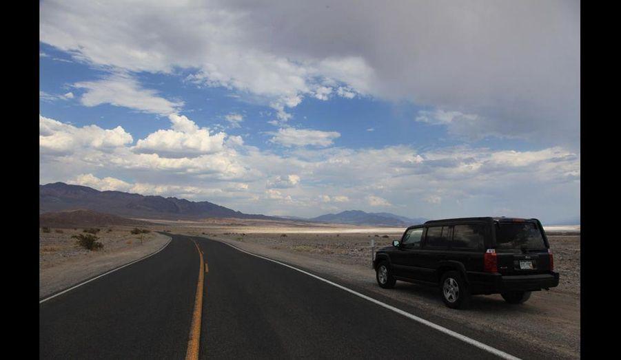 ... dans ce désert hyperaride qui s'enfonce à 86 mètres sous le niveau de la mer et où la température en été ne descend jamais en dessous des 40 °. On s'est perdu (le GPS nous a indiqué une piste abandonnée) et on était heureux !