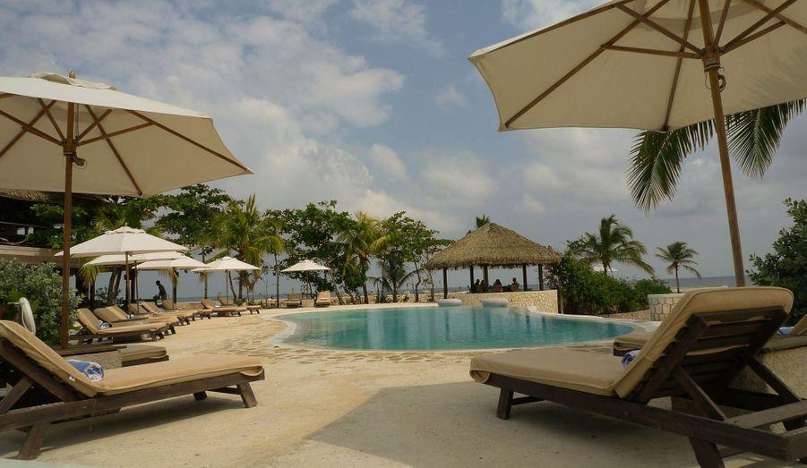 La piscine de l'hotel à GoldenEye.