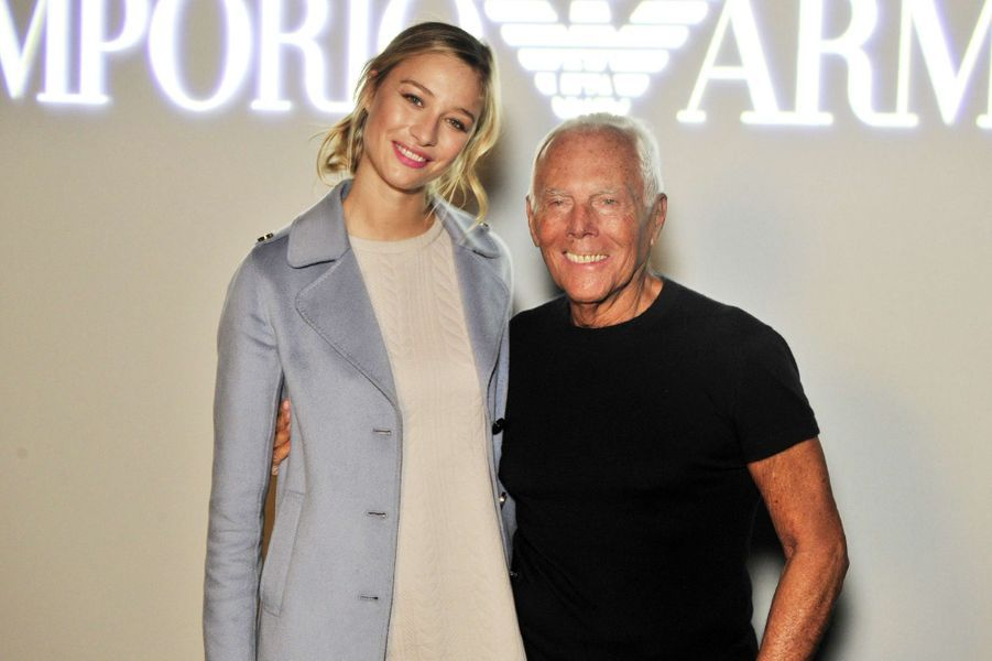 Beatrice Borromeo-Casiraghi avec Giorgio Armani à la Fashion Week de Milan, le 25 septembre 2015