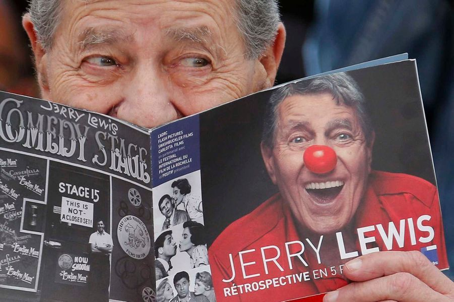 Jerry Lewis faisant le clown