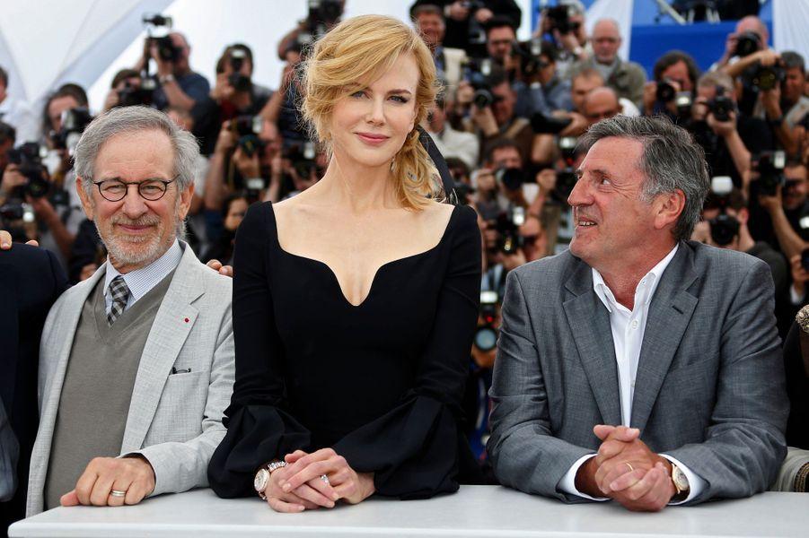 Membre du jury de la compétition de la sélection officielle auprès de Stven Spielberg, Nicole Kidman a illuminé les conférences de presse de sa beauté.