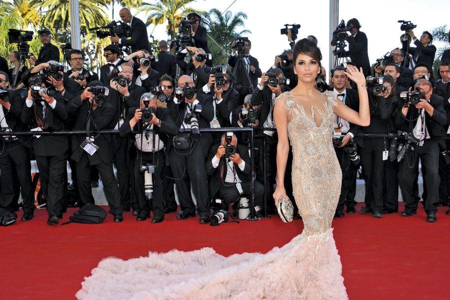 Eva Longoria sur le tapis rouge le plus célèbre du monde