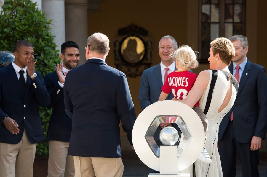 La princesse Charlène de Monaco, le prince Albert II et leur fils le prince Jacques, à Monaco le 21 mai 2017