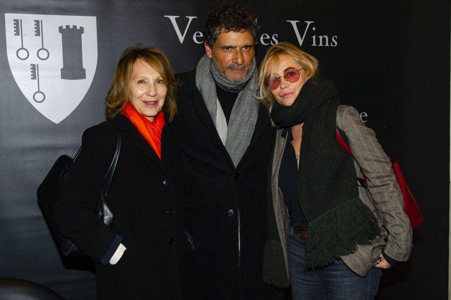 Nathalie Baye, Emmanuelle Béart et Pascal Elbé à la vente aux enchères des vins des Hospices de Beaune, le 18 novembre 2018