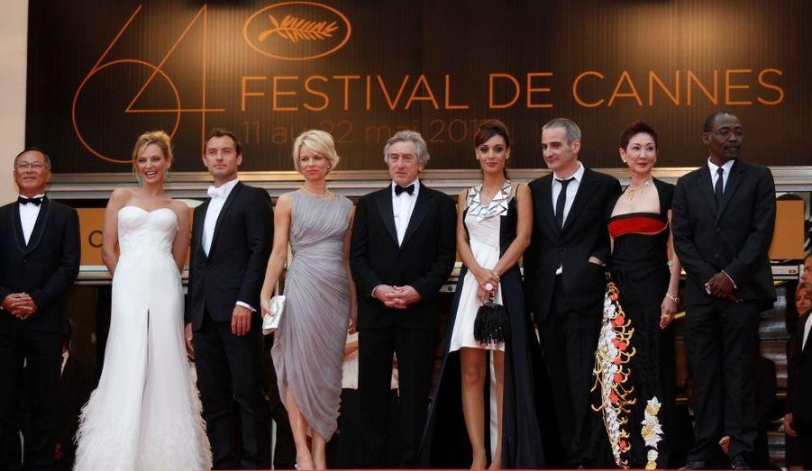 De gauche à droite : Johnnie To, Uma Thurman, Jude Law, Linn Ullmann, Robert de Niro, Martina Gusman, Olivier Assayas, Shi Nansun et Mahamat-Saleh Haroun