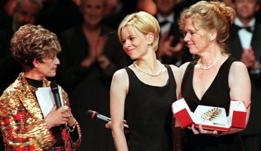 La fille d'Ingmar Bergman et Liv Ullmann, est une romancière réputée en Norvège.