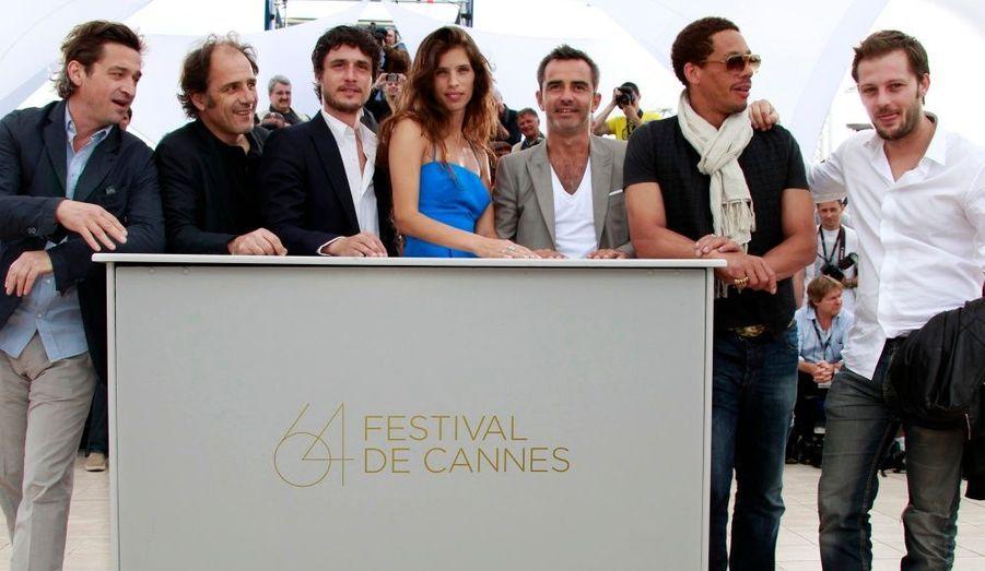 Les acteurs du film Polisse de Maïwenn. De gauche à droite: Louis-Do de Lencquesaing, Frederic Pierrot, Jeremie Elkaim, Arnaud Henriet, Joey Starr et Nicolas Duvauchelle, en compagnie de la réalisatrice.