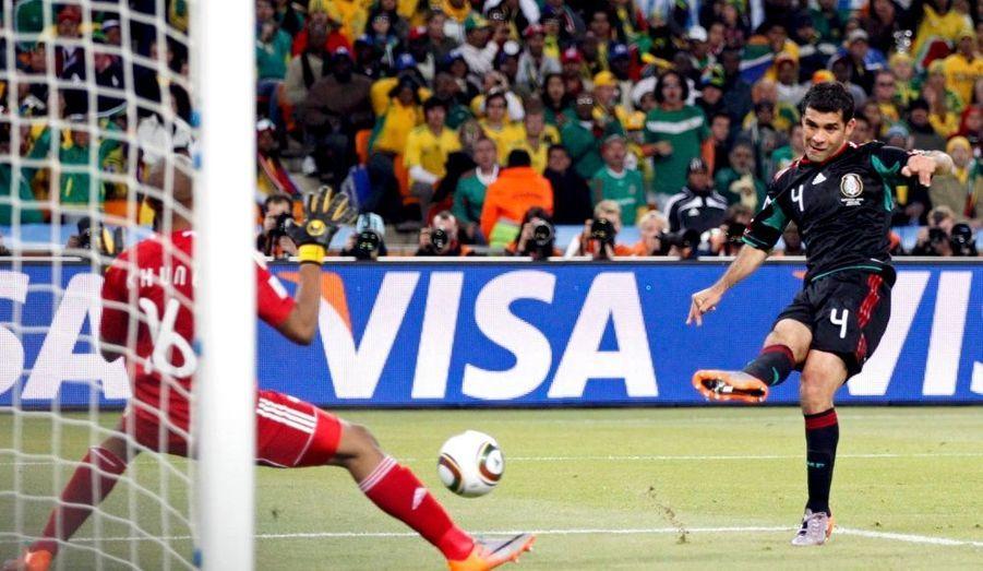 L'Afrique du Sud pensait tenir la victoire lors du match d'ouverture de la Coupe du Monde, vendredi, quand le Mexicain Rafael Marquez, qui joue en club pour le Barça, a égalisé d'une magnifique frappe du droit.