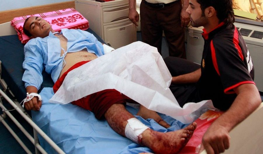 Un attentat suicide contre un bureau de recrutement de l'armée irakienne a fait au moins 47 morts et 77 blessés mardi dans le centre de Bagdad, a annoncé le vice-ministre de la Santé Khamis al Saad. Une source militaire a avancé un bilan plus lourd de 51 morts et 121 blessés.
