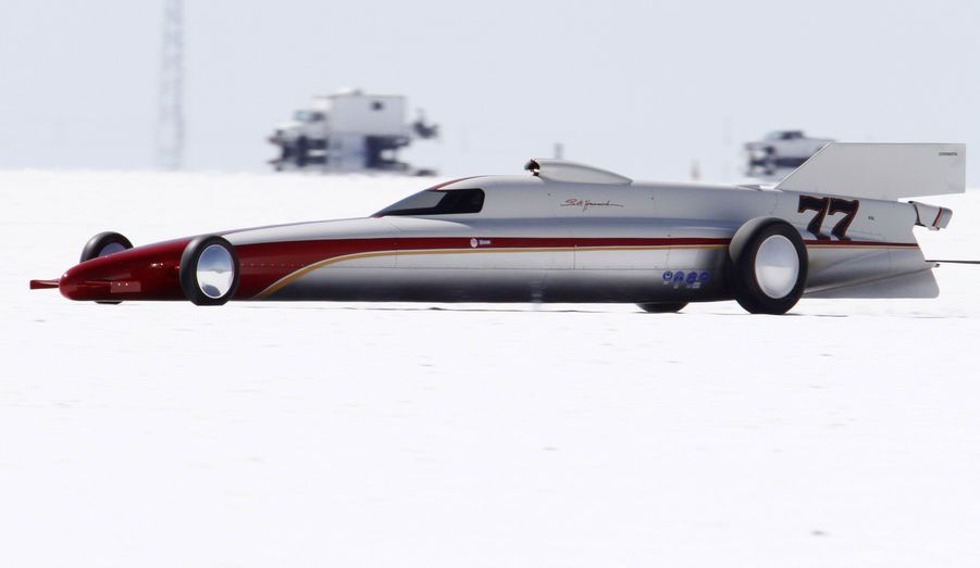 Un dragster participe à la SpeedWeek à Bonneville dans l'Utah. De nombreux participants vont tenter de battre des records de vitesse sur ce lac salé qui accueille depuis 63 ans cet compétition atypique.