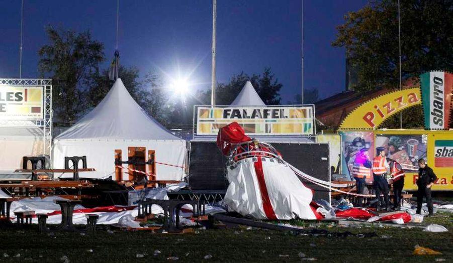 Un orage violent s'est abattu jeudi après-midi sur l'un des plus importants festivals de rock de Belgique. Cinq personnes ont été tués dans cette tempête qui a duré une dizaine de minutes, a indiqué vendredi la maire de Hasselt, Hilde Claes, et les organisateurs ont annoncé l'annulation du festival.