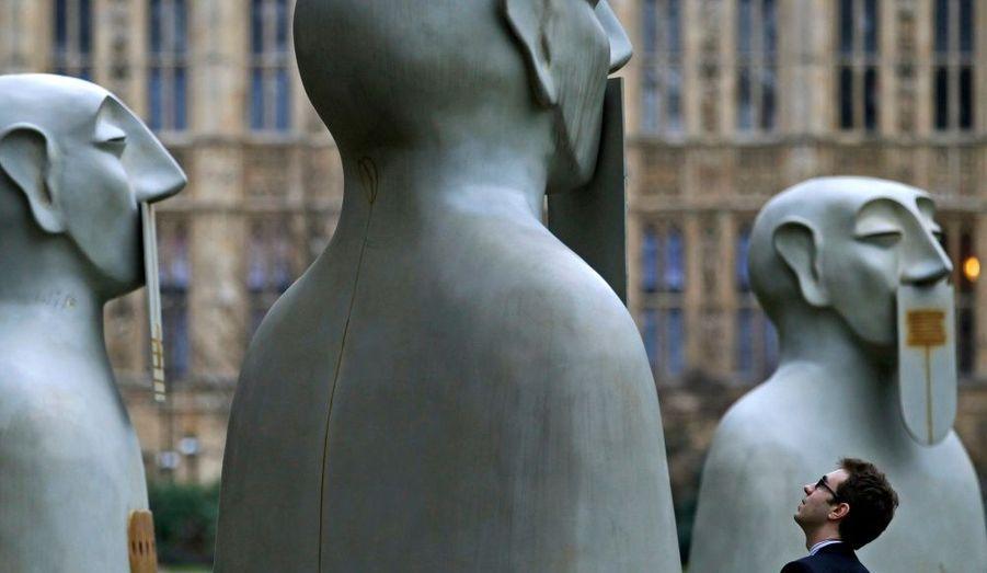 C'est le nom des dix sculptures du mexicain Rivelino, placées près du Parlement anglais à Londres. Ces statues font le tour de l'Europe à l'occasion du bicentenaire de l'indépendance mexicaine.