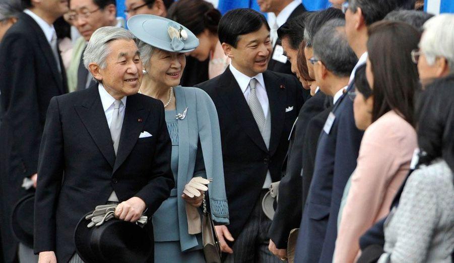 L'empereur du Japon, Akihito et sa femme Michiko ont participé à une Garden-party organisée dans les jardins du Palais impérial de Tokyo.