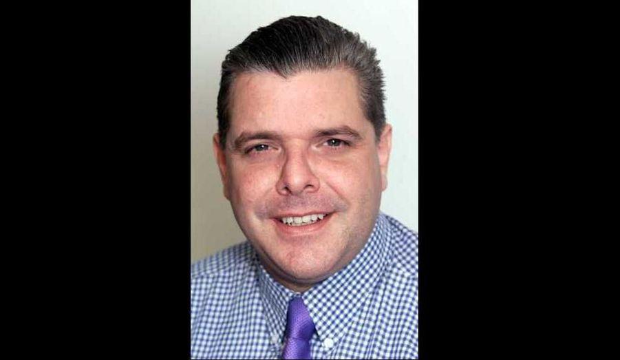 Sean Hoare, ancien journaliste du News of the World, à l'origine du scandale des écoutes téléphoniques pratiquées par le tabloïd anglais, a été retrouvé mort dans sa résidence de Watford. Sa mort ne serait toutefois pas considérée comme suspecte.