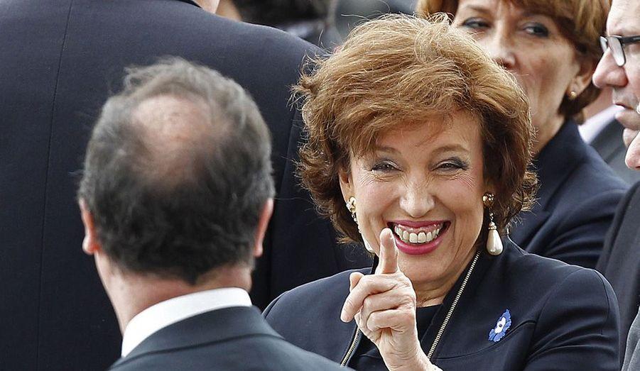 L'ancienne ministre UMP, Roselyne Bachelot, siègera dans la nouvelle commission chargée de la «Rénovation de la vie publique», présidée par Lionel Jospin.C'est le premier geste d'ouverture du Président Hollande.