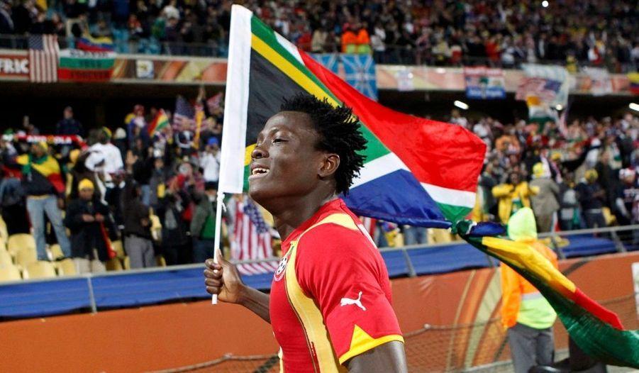 Le Ghana a eu besoin de 30 minutes supplémentaires, mais affrontera bel et bien l'Uruguay en quarts de finale de la Coupe du monde, vendredi prochain à Johannesburg. Derniers représentants africains, les Black Stars ont disposé des Etats-Unis en 8e de finale (2-1 a.p.) à Rustenburg, grâce à l'ouverture du score de Boateng (5e) puis un deuxième but de Gyan à l'entame de la prolongation (93e), répondant à l'égalisation de Donovan sur penalty (62e).