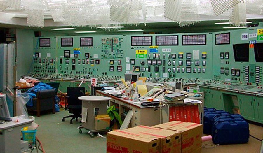 Signe que la situation est en voie de stabilisation, cette photographie de la salle de contrôle du réacteur numéro 1 de la centrale nucléaire de Fukushima Dai-Ichi.