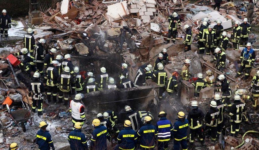 Un homme de 88 ans est toujours porté disparu après une explosion dans la ville de Munich, en Allemagne. Une personne est morte dans cet incident, dont les causes n'ont pas été identifiées.